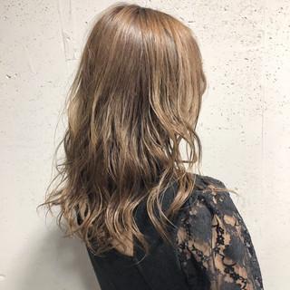透明感カラー アッシュ ヘアカラー セミロング ヘアスタイルや髪型の写真・画像