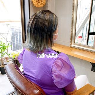 アッシュグレー アッシュベージュ ラベンダーアッシュ ストリート ヘアスタイルや髪型の写真・画像