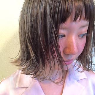 前髪パッツン ワイドバング ピュア 外ハネ ヘアスタイルや髪型の写真・画像