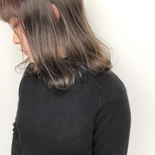 ベージュ ナチュラル アッシュベージュ ヘアアレンジ ヘアスタイルや髪型の写真・画像