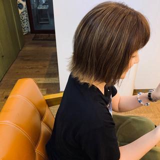 切りっぱなしボブ 外ハネボブ 3Dハイライト ハイライト ヘアスタイルや髪型の写真・画像