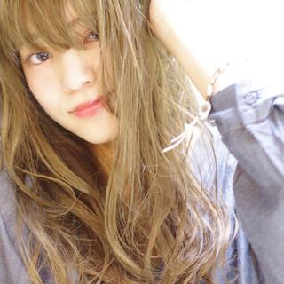 外国人風 アッシュ パーマ うざバング ヘアスタイルや髪型の写真・画像