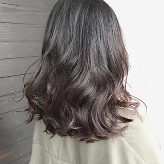 ミディアム グラデーションカラー 透明感 アッシュグレージュ ヘアスタイルや髪型の写真・画像 ヘアスタイルや髪型の写真・画像