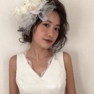 結婚式ヘアアレンジ セミロング ゆるナチュラル アンニュイほつれヘア ヘアスタイルや髪型の写真・画像