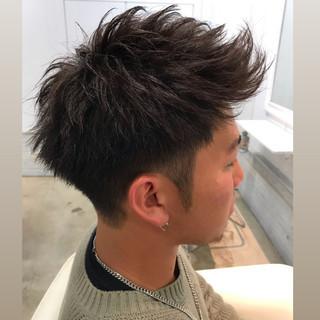 刈り上げショート メンズ アップバング ショート ヘアスタイルや髪型の写真・画像