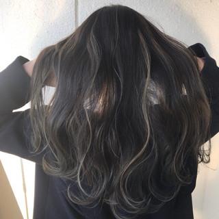 アウトドア ロング ストリート ブリーチ ヘアスタイルや髪型の写真・画像