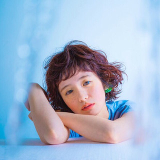 フェミニン ミディアム ピュア グラデーションカラー ヘアスタイルや髪型の写真・画像