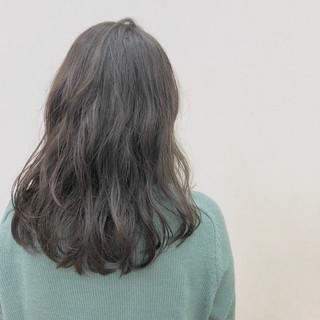 バレンタイン セミロング くせ毛風 ナチュラル ヘアスタイルや髪型の写真・画像 ヘアスタイルや髪型の写真・画像