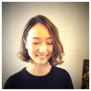 大人女子 ヌーディベージュ アッシュベージュ ボブ ヘアスタイルや髪型の写真・画像 ヘアスタイルや髪型の写真・画像