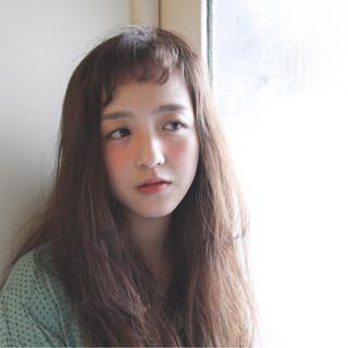 ストリート 外国人風 外国人風カラー ナチュラル ヘアスタイルや髪型の写真・画像
