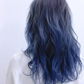 ダブルカラー ブリーチ ストリート セミロング ヘアスタイルや髪型の写真・画像 ヘアスタイルや髪型の写真・画像