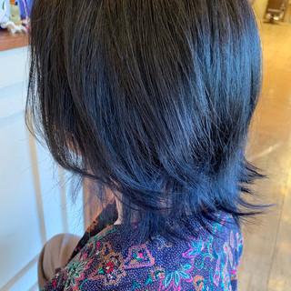 外ハネ モード ブルーブラック グラデーションカラー ヘアスタイルや髪型の写真・画像