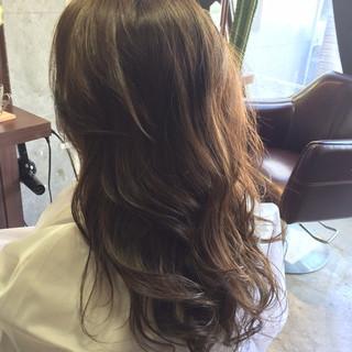 ブラウン アッシュベージュ ロング 外国人風 ヘアスタイルや髪型の写真・画像