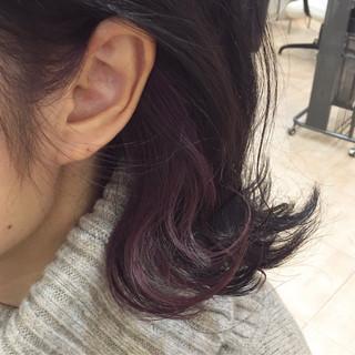 ミディアム インナーピンク フェミニン ピンク ヘアスタイルや髪型の写真・画像