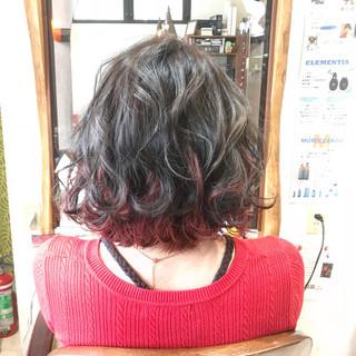 インナーカラー エレガント インナーカラー赤 ボブ ヘアスタイルや髪型の写真・画像