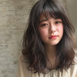 ミディアム 暗髪 アッシュ デート ヘアスタイルや髪型の写真・画像 ヘアスタイルや髪型の写真・画像