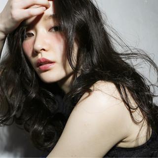 前髪あり 大人かわいい パーマ 外国人風 ヘアスタイルや髪型の写真・画像