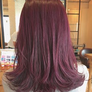 ミディアム ガーリー ハイライト イルミナカラー ヘアスタイルや髪型の写真・画像