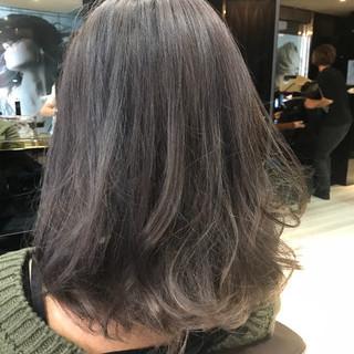 アッシュ ミディアム 透明感 アッシュグレージュ ヘアスタイルや髪型の写真・画像