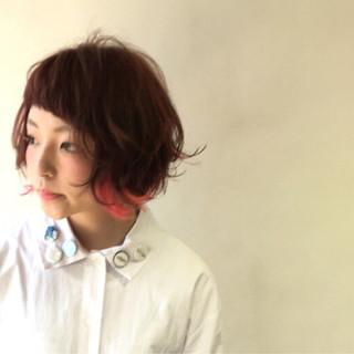 個性的 ストリート ボブ ダブルカラー ヘアスタイルや髪型の写真・画像