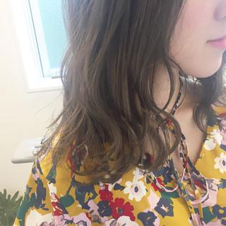 波ウェーブ ナチュラル グレージュ 涼しげ ヘアスタイルや髪型の写真・画像