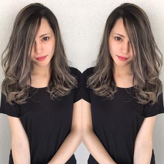 秋 外国人風 グレージュ セミロング ヘアスタイルや髪型の写真・画像 ヘアスタイルや髪型の写真・画像