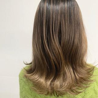 ガーリー ミルクティーベージュ 切りっぱなしボブ ミニボブ ヘアスタイルや髪型の写真・画像