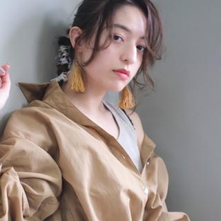 紐アレンジ ヘアアレンジ 簡単ヘアアレンジ セルフアレンジ ヘアスタイルや髪型の写真・画像