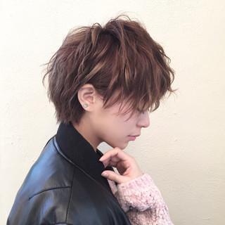 アッシュ 小顔 大人女子 ミルクティー ヘアスタイルや髪型の写真・画像