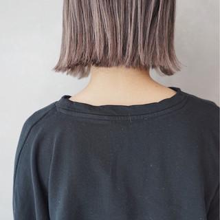 ナチュラル ミルクティー ミルクティーベージュ 透明感 ヘアスタイルや髪型の写真・画像