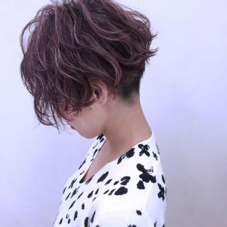 ハイライト ショート パーマ ストリート ヘアスタイルや髪型の写真・画像