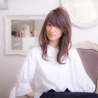 セミロング 暗髪 ブルージュ 大人かわいい ヘアスタイルや髪型の写真・画像