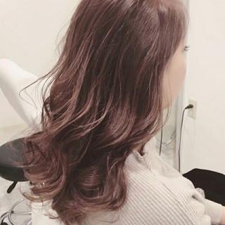 セミロング 外国人風 女子会 フェミニン ヘアスタイルや髪型の写真・画像