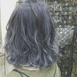 グラデーションカラー ブリーチ シルバーアッシュ グレー ヘアスタイルや髪型の写真・画像 ヘアスタイルや髪型の写真・画像