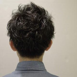 ナチュラル ショート パーマ ボーイッシュ ヘアスタイルや髪型の写真・画像
