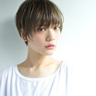 ショート ナチュラル 前髪あり 外国人風 ヘアスタイルや髪型の写真・画像
