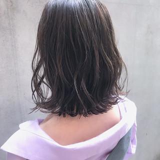 外ハネボブ 切りっぱなしボブ 大人かわいい ボブ ヘアスタイルや髪型の写真・画像