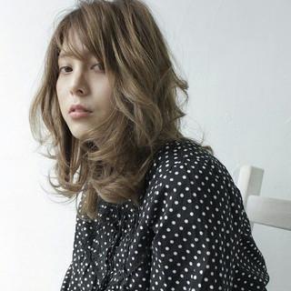 外国人風 大人かわいい セミロング モード ヘアスタイルや髪型の写真・画像