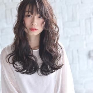 アディクシーカラー 巻き髪 波ウェーブ ロング ヘアスタイルや髪型の写真・画像
