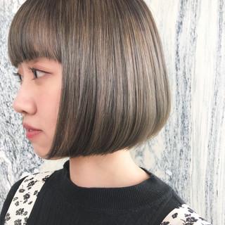ボブ ベージュ アッシュベージュ ナチュラルベージュ ヘアスタイルや髪型の写真・画像