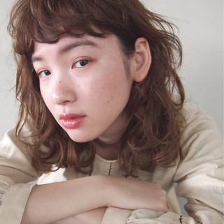 ナチュラル 小顔 パーマ ニュアンス ヘアスタイルや髪型の写真・画像