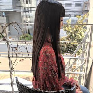 切りっぱなし 黒髪 ぱっつん ストレート ヘアスタイルや髪型の写真・画像