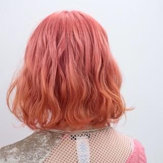 ピンク デート ダブルカラー ブリーチ ヘアスタイルや髪型の写真・画像