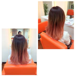 グラデーションカラー ゆるふわ ピンク ミディアム ヘアスタイルや髪型の写真・画像