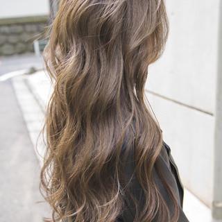 グレージュ ローライト ガーリー 外国人風カラー ヘアスタイルや髪型の写真・画像