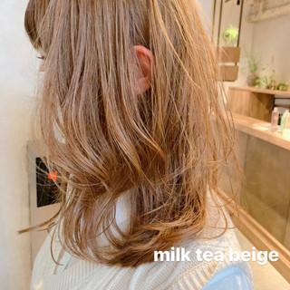 ミルクティーベージュ ガーリー アンニュイほつれヘア ウルフカット ヘアスタイルや髪型の写真・画像