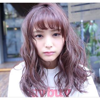 透明感 ベリーピンク 前髪あり セミロング ヘアスタイルや髪型の写真・画像