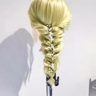 簡単ヘアアレンジ ロング フェミニン 外国人風 ヘアスタイルや髪型の写真・画像