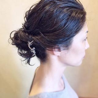 ナチュラル ロング ヘアアレンジ お団子 ヘアスタイルや髪型の写真・画像