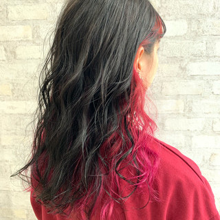 セミロング フェミニン インナーカラー デート ヘアスタイルや髪型の写真・画像